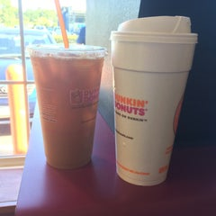 Photo taken at Dunkin Donuts by Eric A. on 8/13/2015