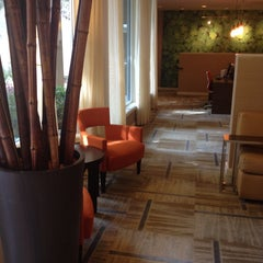 Photo taken at Courtyard by Marriott by Jacki P. on 5/25/2013