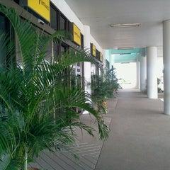 Photo taken at อาคารจอดรถสนามบิน by Kai S. on 9/24/2012