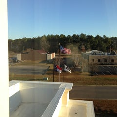 Photo taken at Hampton Inn Wilson Downtown by TJ S. on 1/18/2013