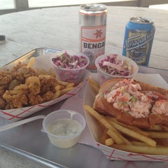 Photo taken at Butler's Flat Clam Shack by Louisa A. on 8/6/2014