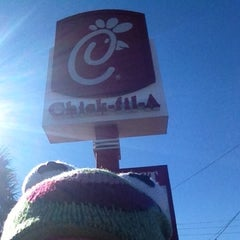 Photo taken at Chick-fil-A by Julia H. on 11/25/2012