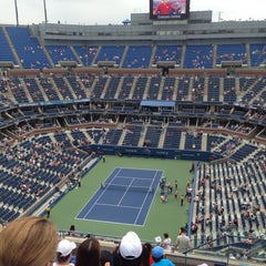 Photo taken at Arthur Ashe Stadium - USTA Billie Jean King National Tennis Center by Rob W. on 9/2/2013