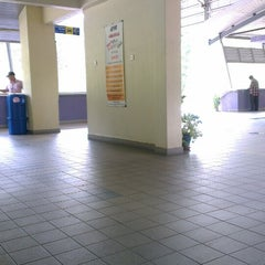 Photo taken at KTM Komuter Kuala Kubu Bharu (KA14) Station by Ah Xing L. on 11/12/2013