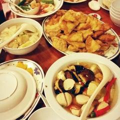 Photo taken at Restoran 3A Yong Tau Foo & Cheong Fun by Onn S. on 9/18/2014
