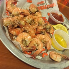 Photo taken at Hooters by Hamdan A. on 12/11/2014