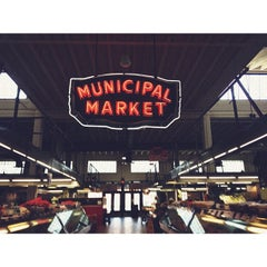 Photo taken at Sweet Auburn Curb Market by Robie D. on 9/26/2012