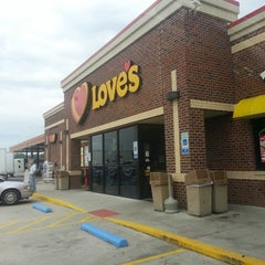 Photo taken at Love's Travel Stop by Thomas L. on 8/19/2013