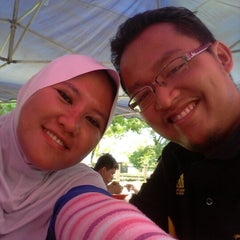 Photo taken at Gerai Makan Tepi Jalan UNITEN by Akma K. on 10/14/2012