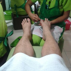 Photo taken at Elite Nails Hands and Foot Spa by Rein V. on 9/15/2013