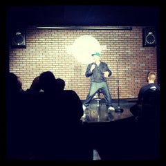 Photo taken at Wiseguys Comedy by Brian P. on 3/31/2013