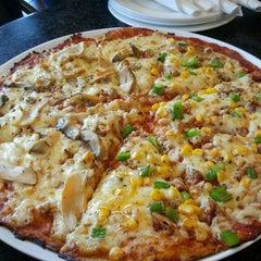 Photo prise au El Mondo Pizzeria par Zoyah Y. le6/19/2013