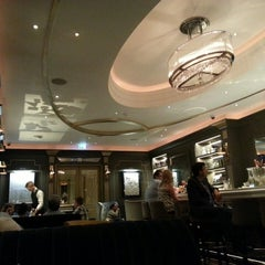 Photo taken at Hyatt Regency London - The Churchill by Frederico on 7/27/2013