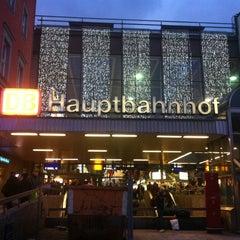 Photo taken at München Hauptbahnhof by DM on 12/9/2012