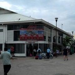 Photo taken at Terminal de Autobuses ADO by mojamiro on 12/13/2012