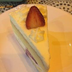 Photo taken at Sweet Cake by lluu ➡. on 8/7/2015