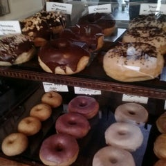 Photo taken at Dun-Well Doughnuts by *Bitch Cakes* on 1/13/2013