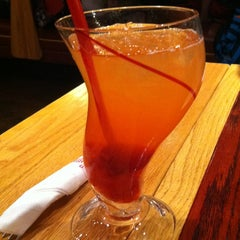 Photo taken at Red Robin Gourmet Burgers by Erin S. on 1/9/2013