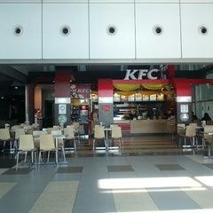 Photo taken at KFC by rose h. on 7/24/2013
