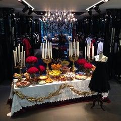 Das Foto wurde bei Dolce&Gabbana von King am 12/20/2013 aufgenommen