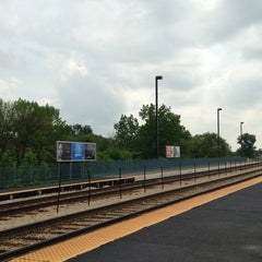Photo taken at Metra - New Lenox by Tracy on 5/27/2014