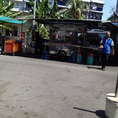 Photo taken at Mamak Stall Maybank Union Street by Kevin Gregory R. on 1/30/2014