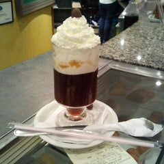 Photo taken at Armazém do Café by Midori F. on 10/18/2012