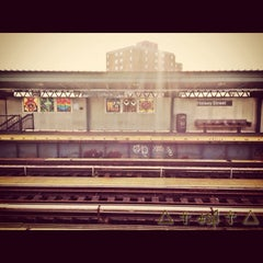 Photo taken at MTA Subway - Halsey St (J/Z) by @SwYpPuH T. on 9/4/2013