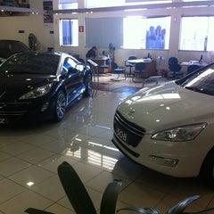 Photo taken at Peugeot BORDEAUX by Michel on 10/6/2012
