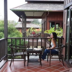 Photo taken at ThaiLife Homestay Resort & Spa by Hajo v. on 9/29/2013