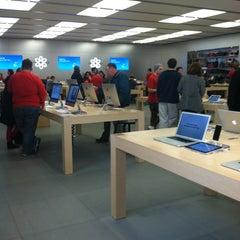 Photo taken at Apple Store, Towson Town Center by Svetlana on 12/21/2012