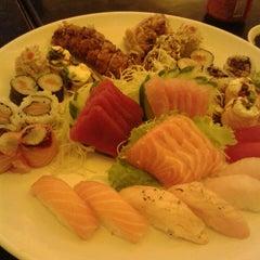 Photo taken at Sachô - Restaurante e Temakeria by Michelli R. on 7/1/2013
