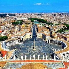 Photo taken at Basilica di San Pietro in Vaticano by Igor K. on 7/2/2013
