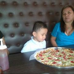 Photo taken at Calda Pizza by Maerah L. on 6/29/2013