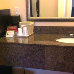 Photo taken at Vagabond Inn San Diego Hotel Circle by lbdonna on 3/21/2013