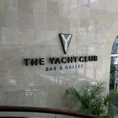 Photo taken at The Yacht Club نادي اليخوت by Ekaterina on 10/20/2012