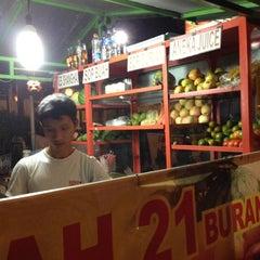 Photo taken at Sop buah 21 Burangrang by Opic H. on 7/10/2012