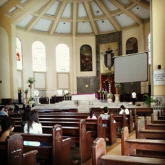 Photo taken at National Shrine of Our Lady of the Holy Rosary of La Naval de Manila (Sto. Domingo Church) by Mon B. on 4/5/2012