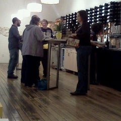 Photo taken at New Day Craft Mead & Cider by Serra Z. on 11/26/2011
