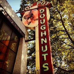 Photo taken at Top Pot Doughnuts by Todd P. on 9/2/2012
