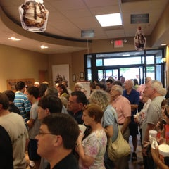 Photo taken at Chick-fil-A by Alesia P. on 8/1/2012