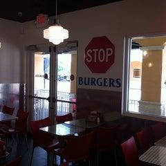 Photo taken at Burger Zone by Prezidentace A. on 6/21/2011