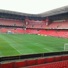 Photo taken at Arena da Baixada by Oromar N. on 10/2/2011