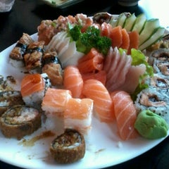 Photo taken at Niwa Sushi by Luciane S. on 6/20/2012