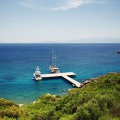 Photo taken at Kempinski Hotel Barbaros Bay by Hakan Ç. on 8/11/2012