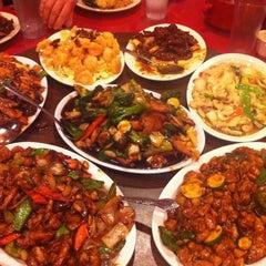 Photo taken at Chen's Chinese Restaurant by Navarro P. on 1/15/2012