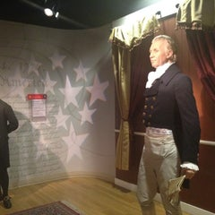 Photo taken at Madame Tussauds by Angel N. on 9/3/2012