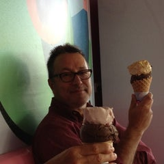 Photo taken at Baskin Robbins by Cherie F. on 5/5/2012