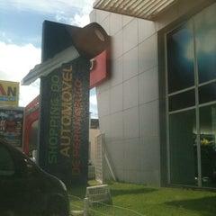 Photo taken at Shopping do Automóvel de Pernambuco by Jullyana C. on 7/25/2012