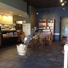 Photo taken at Starbucks by Malikah R. on 6/13/2012